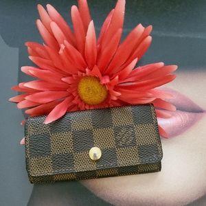 🤑SALE🤑 Louis Vuitton Damier key holder 🔑